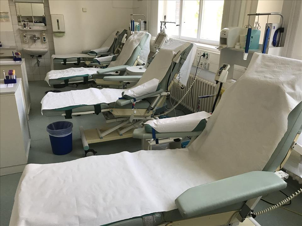 Quantity of Likamed Electric Blood Donor Couches
